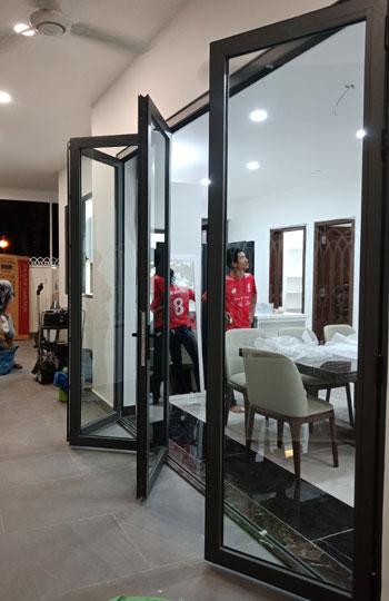 Cửa Nhôm Kính Phú Quốc
